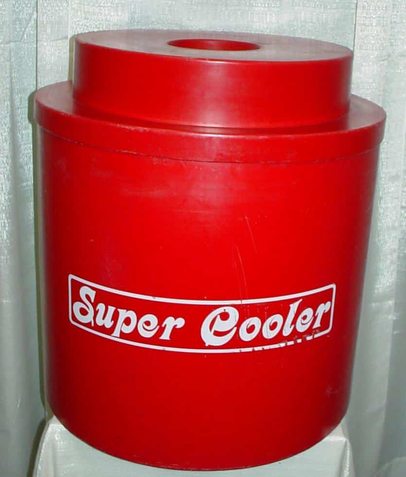 Super Cooler Cold Beverage Storage