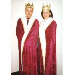 Burgundy King or Queen