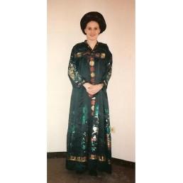 oriental lady black