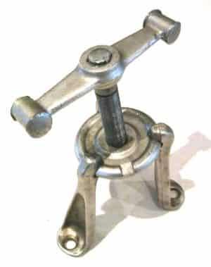 wheel hub puller